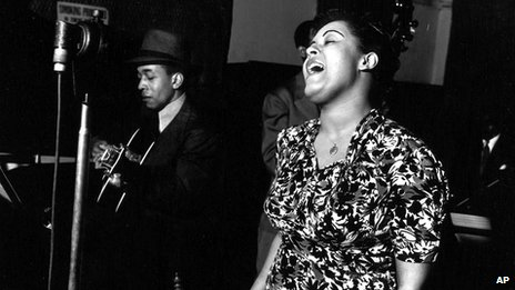 Billie Holiday performs Strange Fruit in 1939