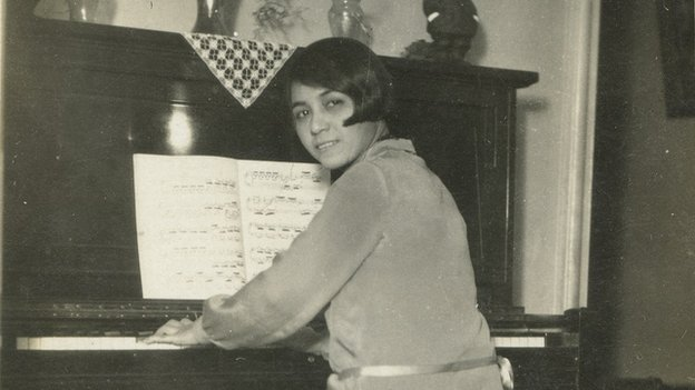 Arias at the piano