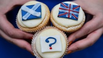 """Referendum cupcakes featuring a Scottish Saltire, (L) a Union flag (R) and a question mark (below) symbolising the """"undecided voter"""" are pictured at a bakery in Edinburgh"""