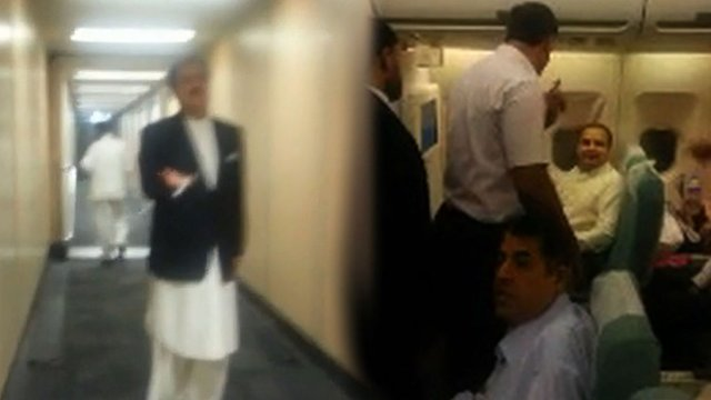 Passengers berate politicians on flight
