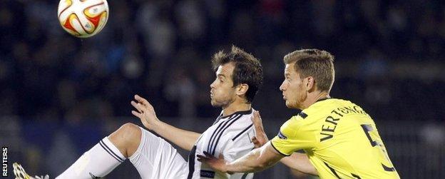 """Jan Verthongen (R) challenges Partizan Belgrade""""s Danko Lazovic"""