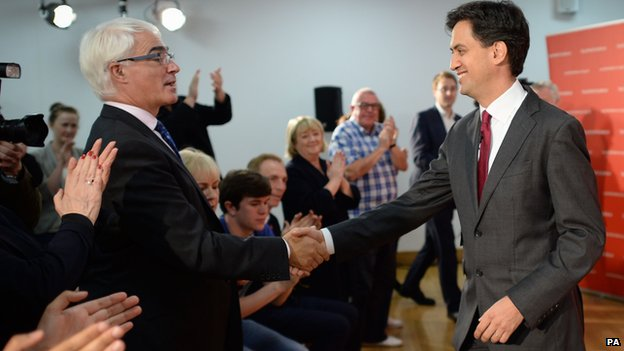 Better Together leader Alistair Darling is congratulated by Labour leader Ed Miliband at a rally in Glasgow
