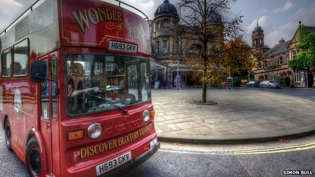 Buxton bus