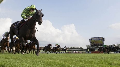 Louis The Pious wins Ayr Gold Cup