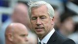 Newcastle manager Alan Pardew grimaces