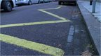 Zigzag road marking