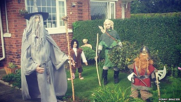 Lord of the rings scarecrows