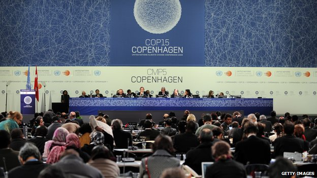 A general view shows the plenary session at the Bella Center of Copenhagen on 19 December 2009 at the end of the COP15 UN Climate Change Conference.