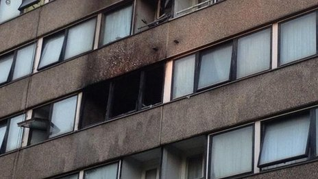 18 rescued in Battersea fire