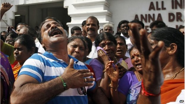 Jayalalitha: Tamil film industry fasts for jailed politician.