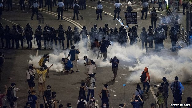 Hong Kong police fire tear gas at protesters. 29 Sept 2014