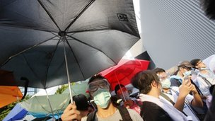 Protesters with umbrellas in Hong Kong (29 Sept 2014)