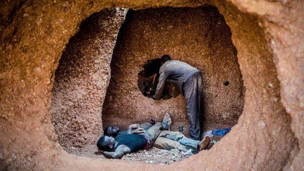 Miners take a break