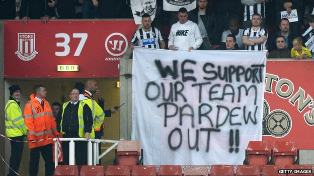 Fans protest at Stoke match