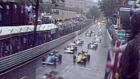 Formula 3000 cars on the grid in Birmingham.