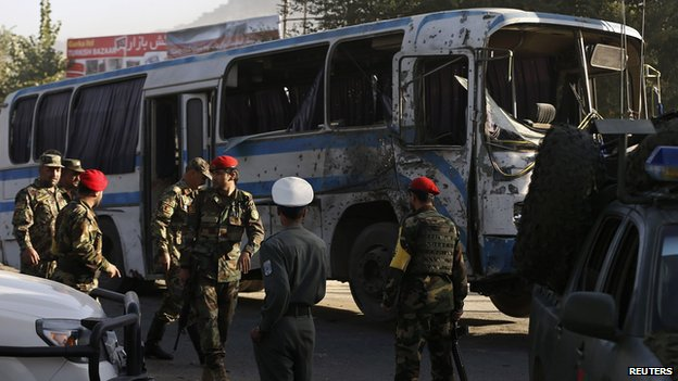 Afghan National Army soldiers (ANA) arrive at the site of a suicide attack in Kabul October 1, 2014.</body></html>