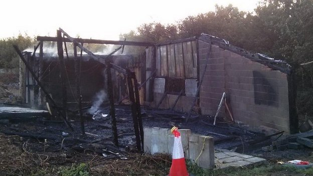 Bbc news witney garage fire near gas cylinders 39 was arson 39 for Gad garage mise a jour