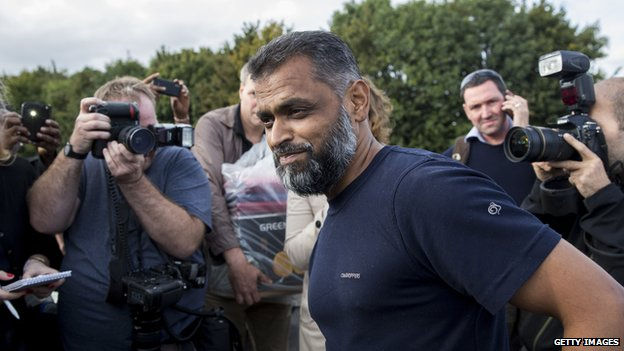 Moazzam Begg speaks to journalists after being released from Belmarsh Prison