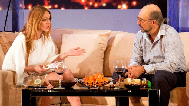 Lindsay Lohan as Karen and Richard Schiff as Bobby Gould in Speed-the-Plow