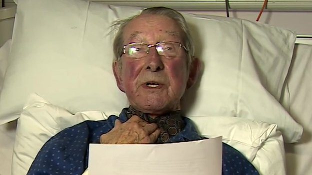 Father of hostage John Cantlie dies...