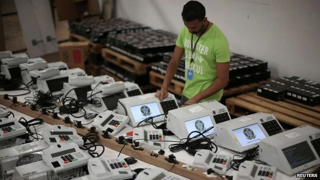 Voting machines in Brazil, 24 Sep 14