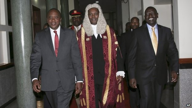 President Kenyatta (l), National Assembly speaker Justin Muturi, and Vice-President William Ruto, going into parliament, 6 October 2014