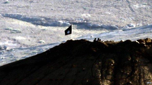 78050913 oc8o9vmq Street battles as IS enters key town