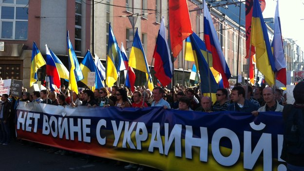 Protesters in Moscow on 21 September against the war in eastern Ukraine