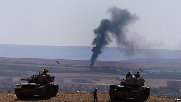 Turkish tanks overlook Kobane. 8 Oct 2014