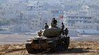 Air strikes 'stall IS Syria advance'