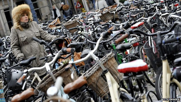 【文谈】混乱:哥本哈根扎堆的自行车