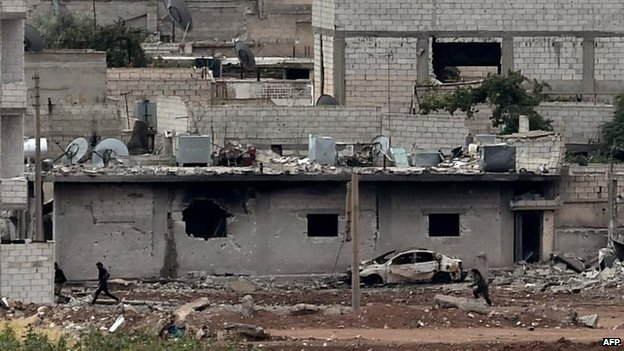 Kurdish defenders on the streets of Kobane, 16 Oct