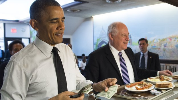 Barack Obama in a Chicago diner with Illinois Governor Pat Quinn