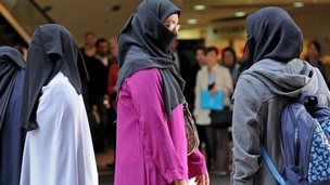 Women wearing veils at a protest in Sydney in 2010