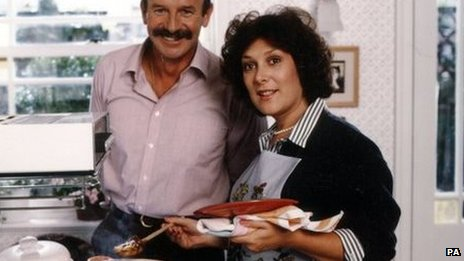 Lynda Bellingham starring in an Oxo advert