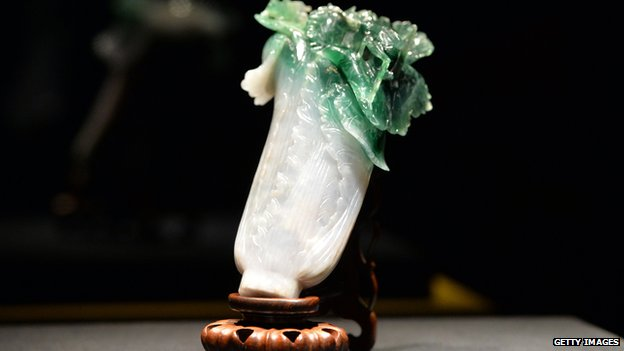 The jadeite cabbage on display in Tokyo