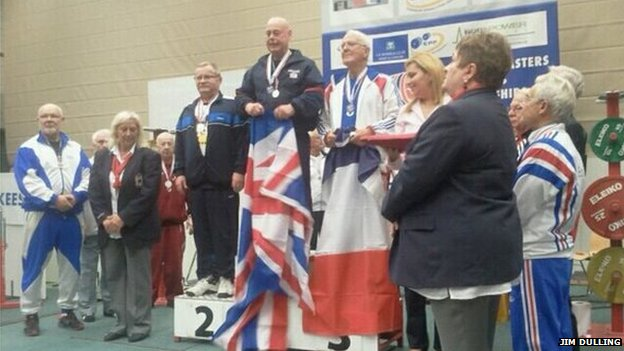 Alex Lee receiving medal
