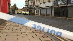 Police cordon in front of Freeman Street