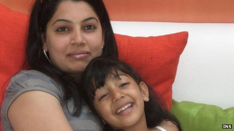 Heena Solanki and her daughter Jasmine
