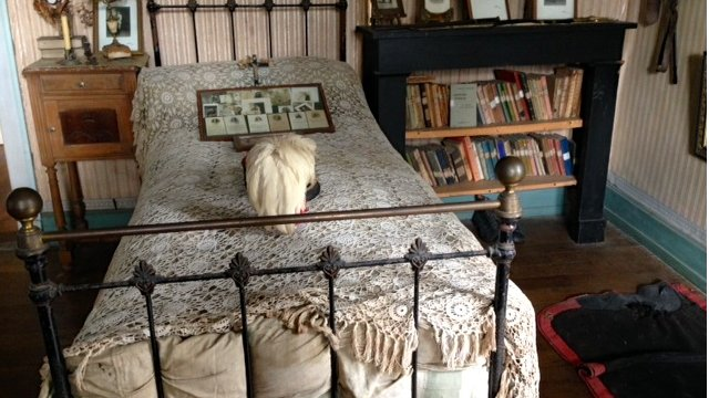VIDEO: WWI soldier's bedroom frozen in time...