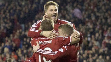 Aberdeen celebrate Jonny Hayes' goal