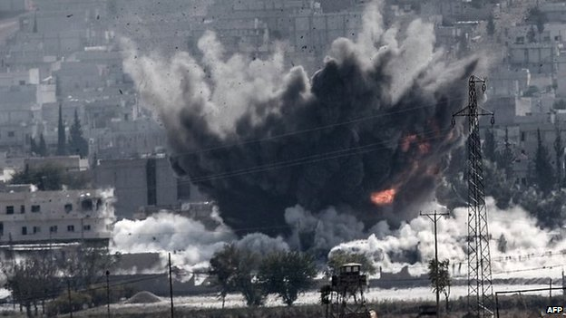 Explosion in Kobane, Syria, after air strike by US-led forces (28 October 2014)