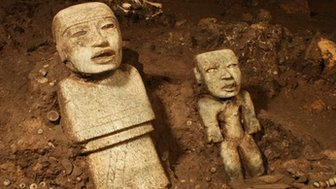 Handout picture released by the National Institute of Anthropology and History (INAH in Spanish) showing stone sculptures found at the Temple of the Feathered Serpent (Serpiente Emplumada) at the Teotihuacan complex in Mexico City, taken on November 19, 2013.
