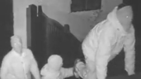 Suspects breaking into the Scotch Piper Inn