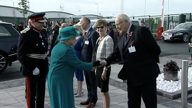 Queen welcomed to Wolverhampton