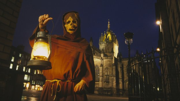 Edinburgh witch tour