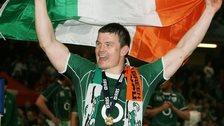 Brian O'Driscoll celebrates winning the 2009 Grand Slam