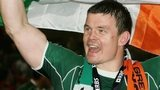 Brian O'Driscoll celebrates winning the 2009 Grand Slam