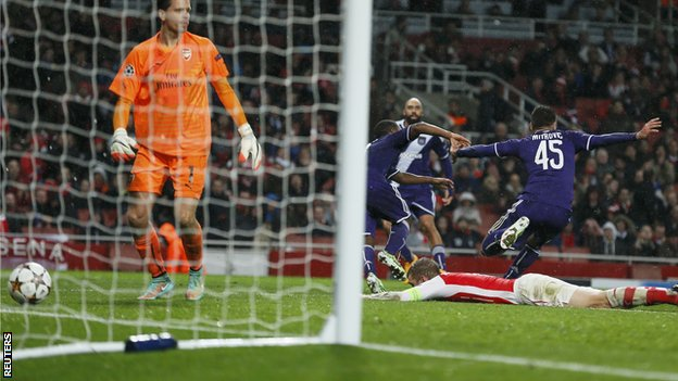 Aleksander Mitrovic scores a dramatic last minute equaliser for Anderlecht against Arsenal