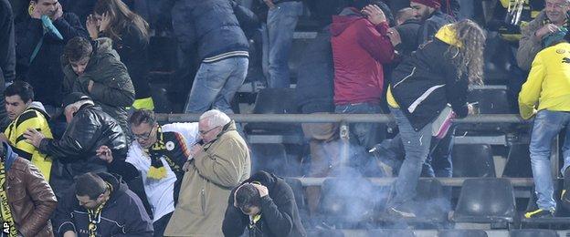 Liga Champions Liga Jerman  - Dua Kali Insiden Petasan, UEFA Bersiap Hukum Berat Klub Turki Ini